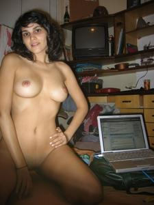 Sexy-Latina-Selfies-and-Sex-%5Bx197%5D-w7fao7u6ww.jpg