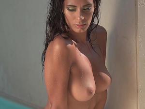 Raffaella-Modugno-Topless-Calendar-77bdv69ng0.jpg